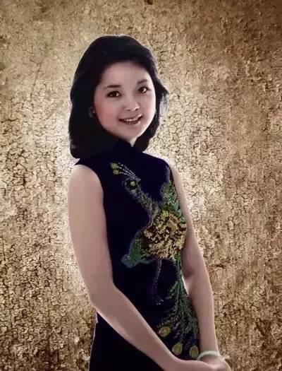 有一种旗袍美,叫邓丽君